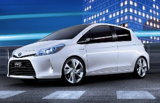 Toyota going for compact segment with the Yaris HSD concept