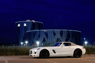 Mercedes-Benz SLS AMG Roadster – Really fast and really cool!