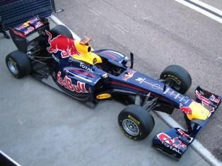 Red Hot Bull Vettel wins in Valencia