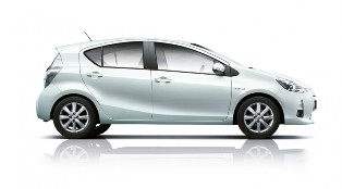 The New RM97k Toyota Prius C now availabel in Malaysia