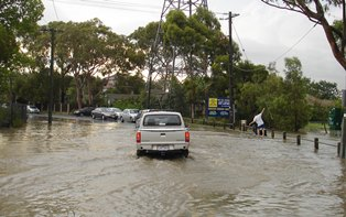 Flooded Roads – How to drive past them